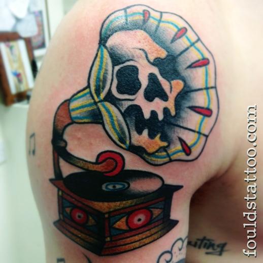 Skull and Gramophone