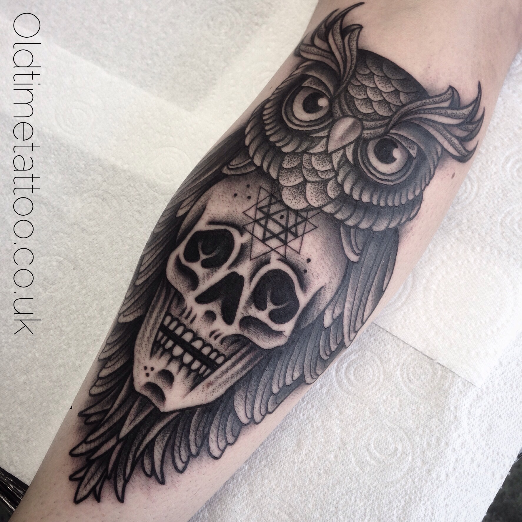 Dot Work Owl And Skull Foulds Tattoo